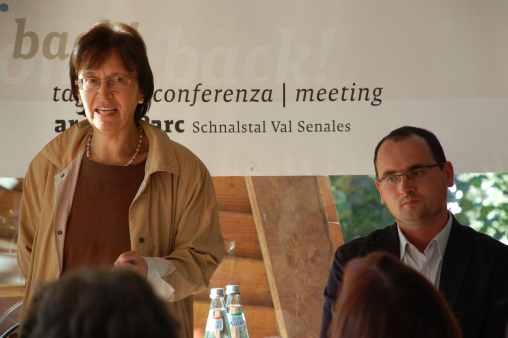 "Speech of Sigrid Prader, chair of the umbrella association of the private museums in South Tyrol ""Südtiroler Museumsverband"", at the conference ""We'll come back"" on adult repeat visitors in archeological open-air museums<br/>September 2011"