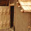 Die Türrekonstruktion eines jüngeren Fundes aus dem Fundkomplex Zürich-Operà (CH) La porta e la ricostruzione di un reperto del sito di Zürich-Operà (CH) The door is a reconstruction from the Zürich-Operà (CH) discovery site2710 BCVillanders-Plunacker, I